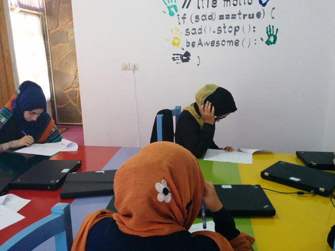 3065924-slide-6-afghanistans-first-female-only-coding-school-just-graduated