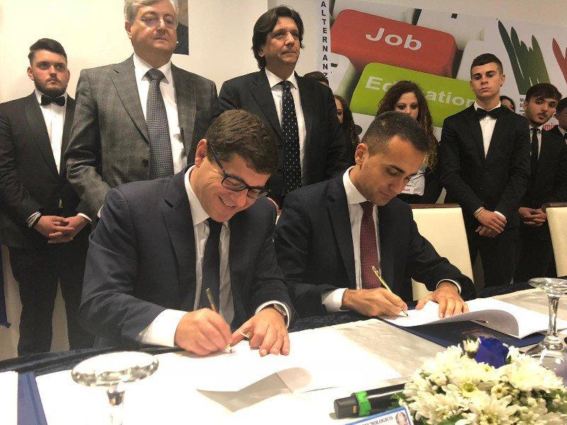 Mise e Miur firmato il protocollo per l'alternanza scuola-lavoro