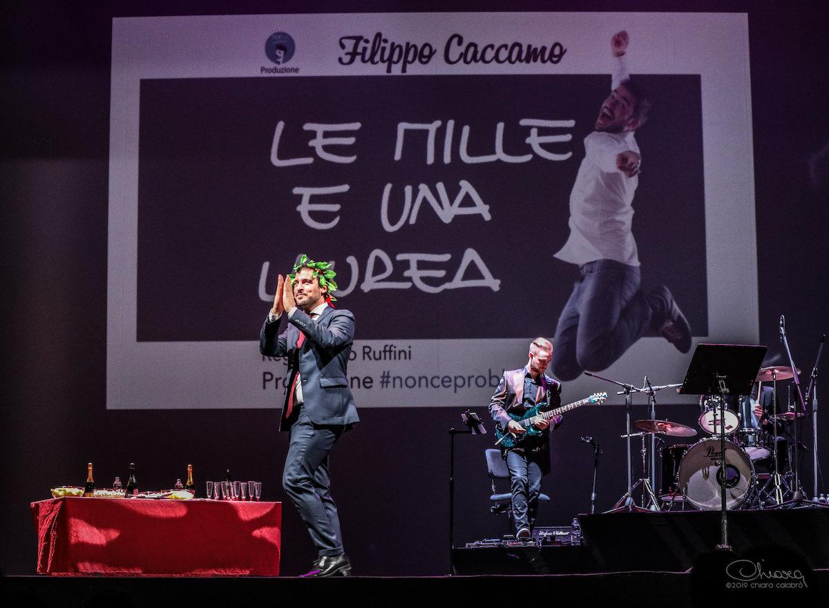 Filippo Caccamo, da Zelig a Instagram giocando sulle ansie degli universitari